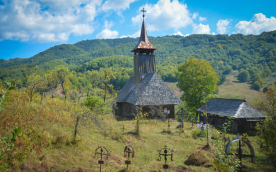 "Biserica de lemn ""Sfinții Apostoli"" din Poiana Botizii"