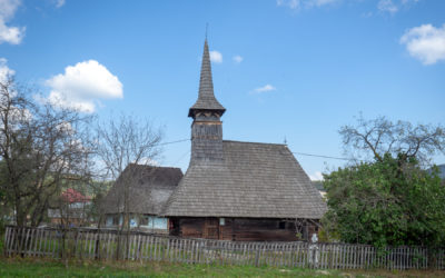 """Biserica de lemn """"Sfinţii Arhangheli Mihail şi Gavril"""" din Cupșeni"""