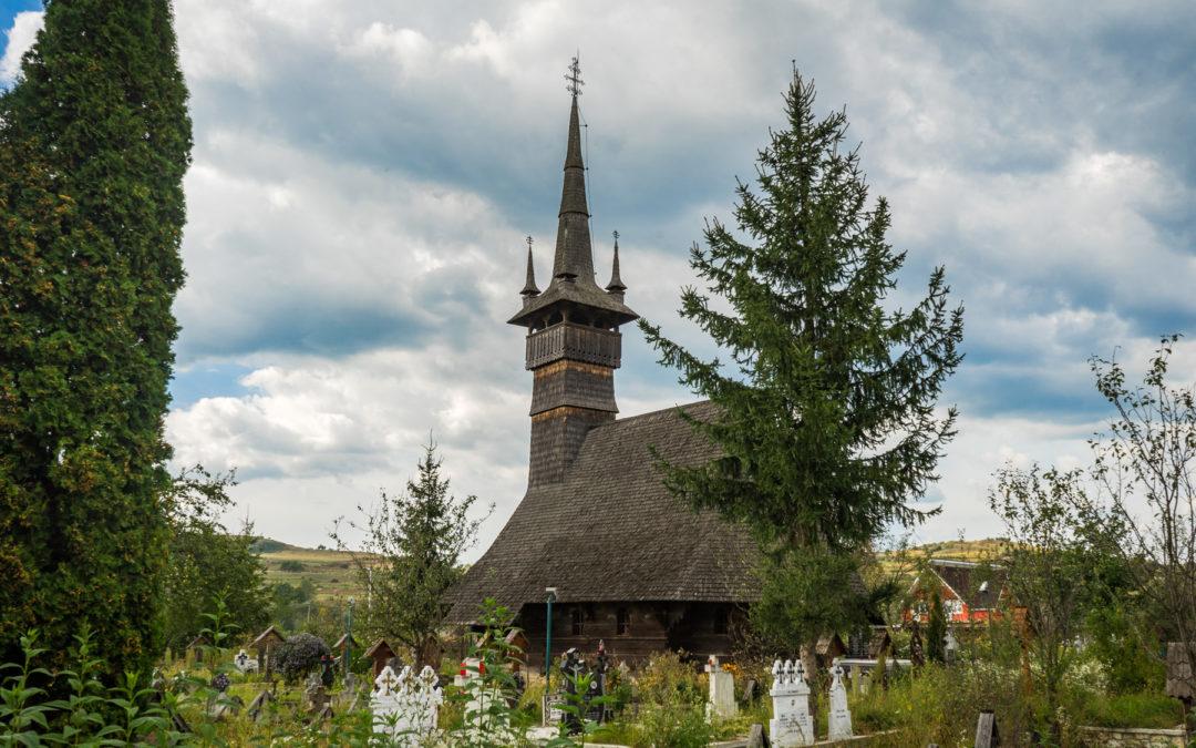 "Biserica de lemn ""Sfinţii Arhangheli Mihail şi Gavril"" din Rogoz"