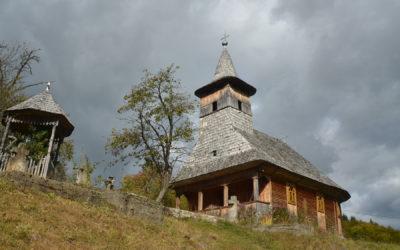 """Biserica de lemn """"Cuvioasa Paraschiva"""" din Izvoarele"""