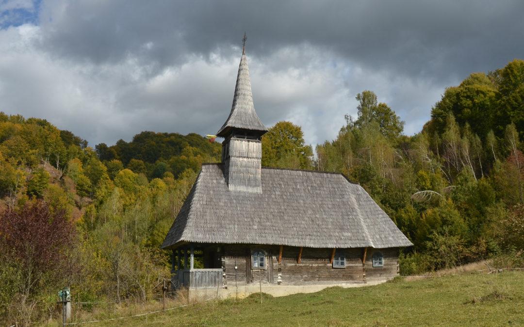 """Biserica de lemn """"Sfântul Ioan Evanghelistul"""" din Izvoarele"""