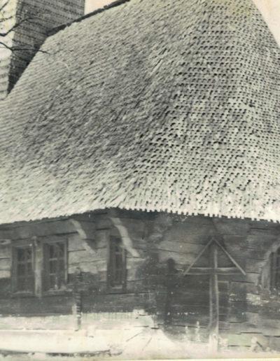 """Biserica de lemn """"Sfinții Arhangheli"""" din Vima Mică - arhiva MJIA - absida"""