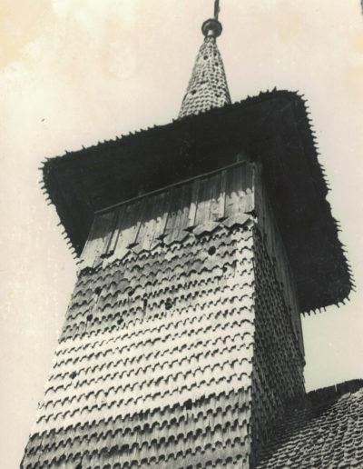 """Biserica de lemn """"Sfinții Arhangheli"""" din Vima Mică - arhiva MJIA - turn"""