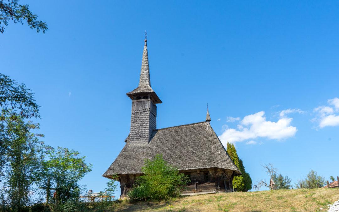"""Biserica de lemn """"Sfinţii Arhangheli"""" din Vima Mică"""